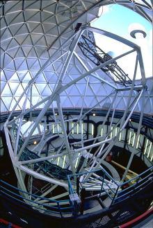 The Hobby-Eberly Telescope (HET) at McDonald Observatory. Credit: Thomas A. Sebr